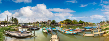 Panorama of Traditional boats in Hoi An, Vietnam in a summer day 版權商用圖片