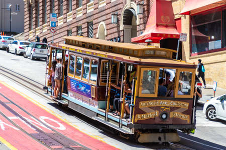 SAN FRANCISCO, USA - MARCH 29, 2020: The Cable car tram in San Francisco, California, USA Redakční
