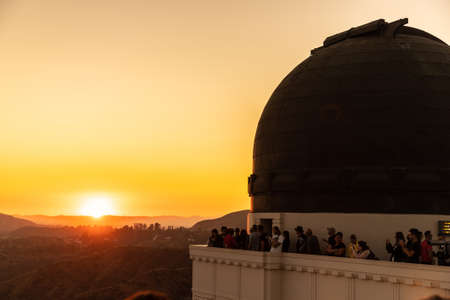 LOS ANGELES, HOLLYWOOD, USA - MARCH 29, 2020: Griffith Observatory at sunset in Los Angeles, California, USA Redakční