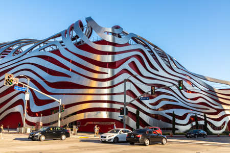 LOS ANGELES, USA - MARCH 29, 2020: Petersen Automotive Museum in Los Angeles, California, USA Redakční
