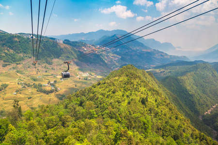 Fancipan Cable Car in Sapa, Lao Cai, Vietnam in a summer day Banque d'images
