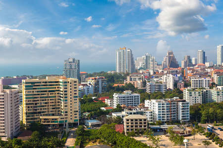 Panoramic aerial view of Pattaya Gulf, Thailand in a summer day Banque d'images