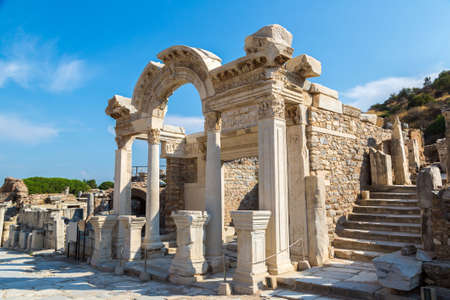 Ruins of the ancient city Ephesus, the ancient Greek city in Turkey, in a beautiful summer day Banque d'images