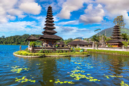 Pura Ulun Danu Beratan Bedugul temple on a lake in Bali, Indonesia Фото со стока