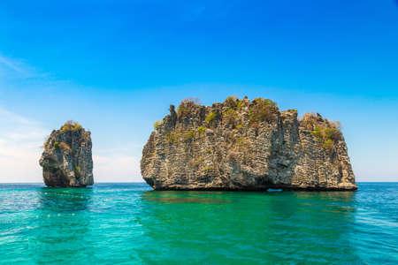 Koh Haa Islands, Thailand in a sunny day Standard-Bild