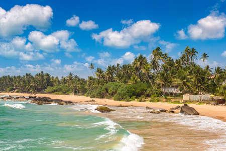 Dalawella Beach in a sunny day in Sri Lanka Standard-Bild