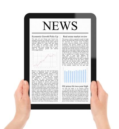 periodicos: Manos femeninas con tablet de pantalla t�ctil con noticias de negocios en pantalla. Incluyen 2 trazado de recorte de pantalla y tablet con las manos. Aislado en blanco. Tama�o XXXL, calidad ultra.