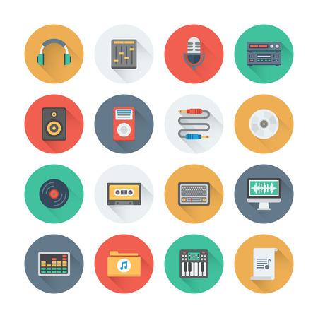 and sound: Pixel iconos planos perfectos establecen con efecto de sombra larga de s�mbolos sonoros y equipos de estudio, instrumentos de m�sica, audio y objetos multimedia. Estilo de dise�o Flat colecci�n pictograma moderna. Aislado en el fondo blanco.