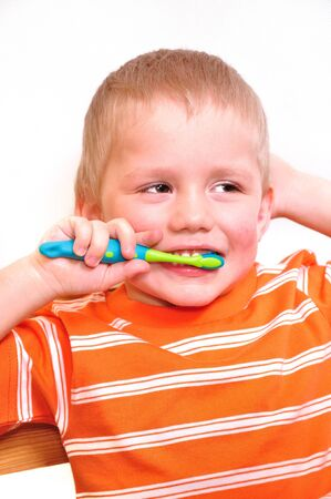 boy wash teeth Stock Photo - 4493312