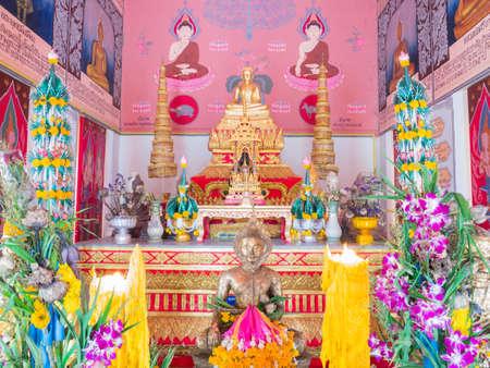 mara: buddha statue pang Subduing Mara