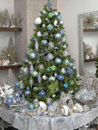 rich christmas tree Stock Photo - 5884490