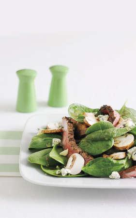 steak, spinach and mushroom salad photo