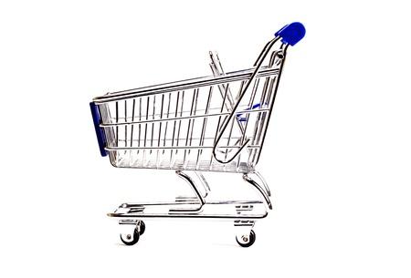 carretilla de mano: Carro de compras en un fondo blanco Foto de archivo