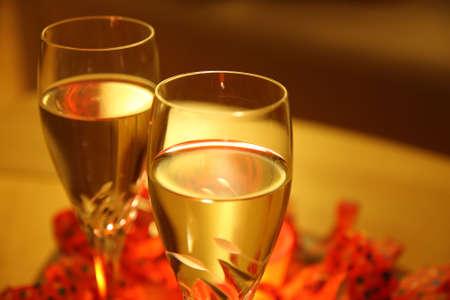 twee glazen witte wijn  Stockfoto
