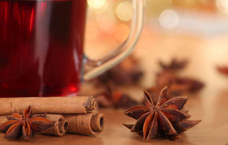 badiane: punch vin chaud et anis �toil�