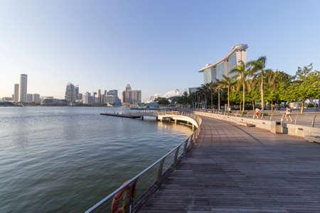 marina bay: Marina Bay Lower boardwalk