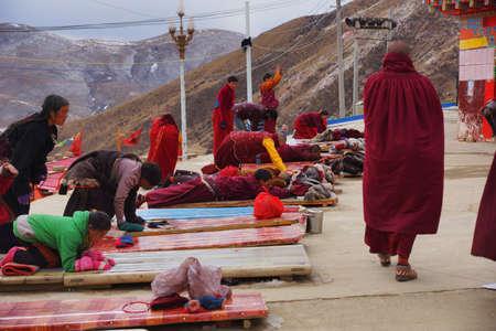 tibet: Lama in Seda, Tibet Editorial