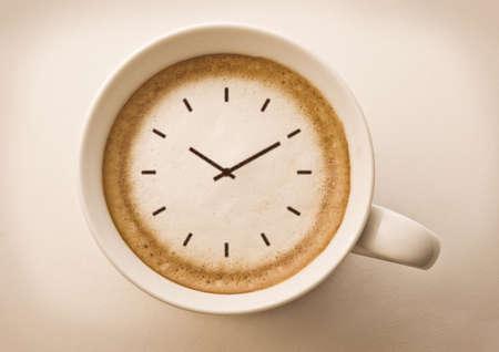 zeitarbeit: Kaffee-Zeit, schauen Sie auf latte art coffee cup Zeichnung
