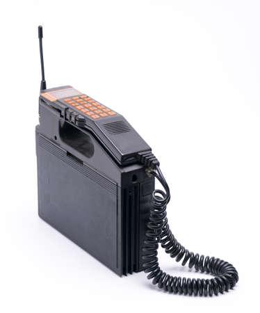 hablando por telefono: estilo antiguo celular m�vil aislado sobre fondo blanco