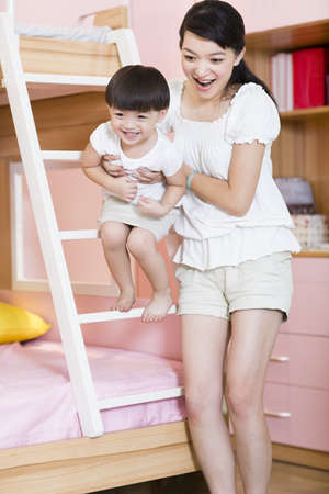 bunkbed: Mother and daughter in bedroom