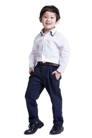 niños vistiendose: Niño pequeño de moda LANG_EVOIMAGES