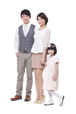 Portrait of a happy young family LANG_EVOIMAGES