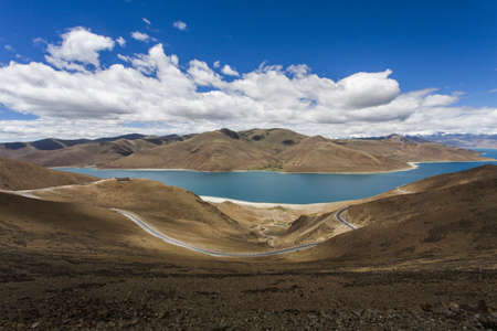 swerving: Mountains and Yamdrok Yamtso lake in Tibet, China