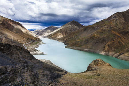 swerving: Mountains and lake in Tibet, China