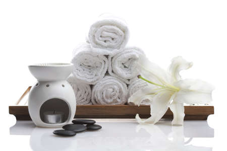 Aromatherapy Oil Burner and towels