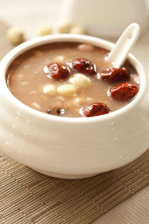 Chinese food—eight ingredient porridge
