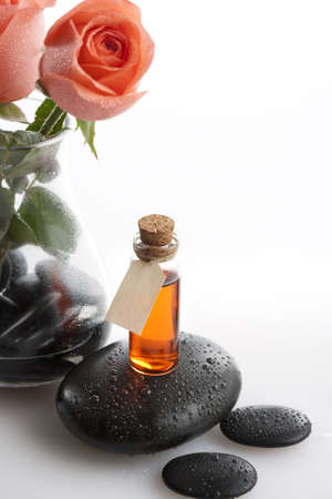 Rose and aromatherapy oil LANG_EVOIMAGES