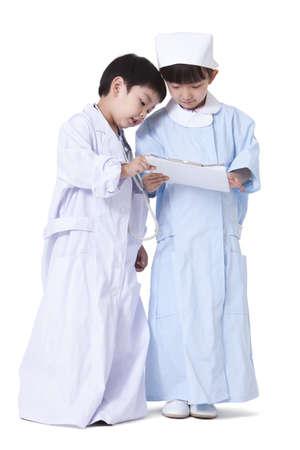 niños actuando: Niño, niña, juego, Vestir LANG_EVOIMAGES