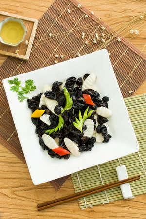 Chinese cuisine yam and mu-er
