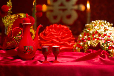 Traditional Chinese wedding elements LANG_EVOIMAGES