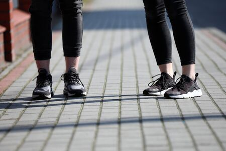 Fashion for bare ankles can cause illness Standard-Bild