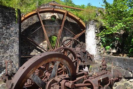 watermill: molino de agua ya los engranajes Foto de archivo