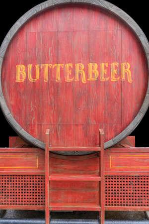 クリーミーなバタービールのバレル 写真素材
