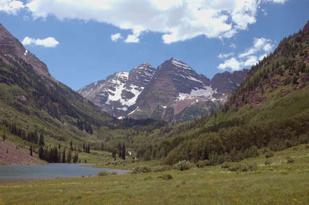 Maroon Bells and Maroon Lake near Aspen, Colorado Stock Photo - 301942