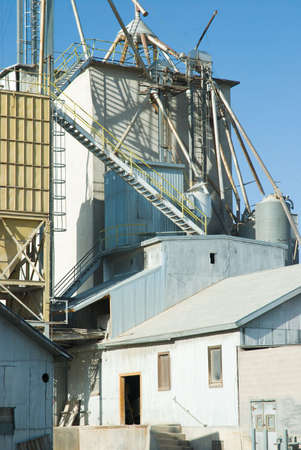 Feed and grain mill