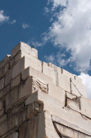 Ruines de l'installation de broyage historique de marbre, Colorado contre un ciel bleu Banque d'images