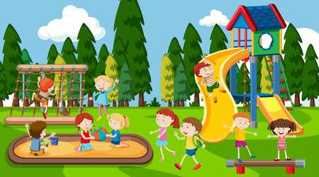 Aktive Jungen, Mädchen und Freunde, die Sportaktivitäten im Freien spielen
