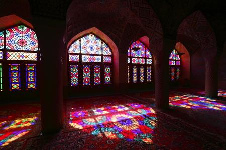 retained: Mezquita rosa Shiraz