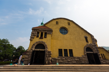 retained: Shandong Qingdao at the old church Editorial