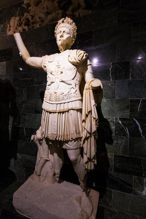 터키 안탈리아 박물관의 조각상