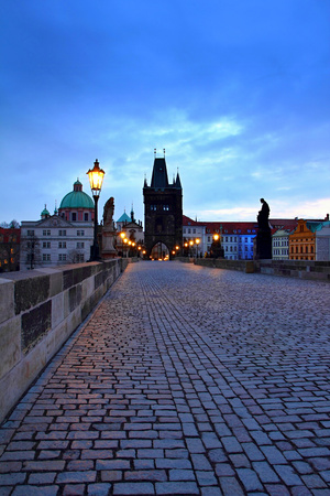 Charles Bridge in the early morning. Beautiful romantic gothic architecture in the city of Prague. Stok Fotoğraf