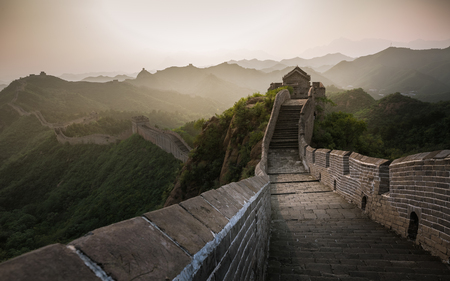 Sunlight exposed scenery of Great Wall, China-East Asia Banque d'images