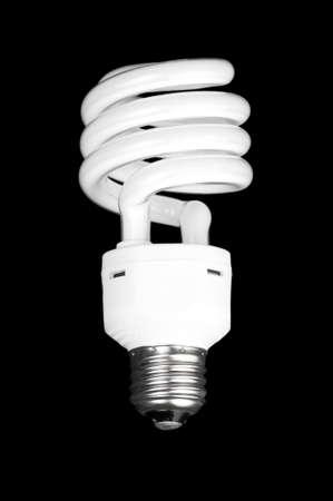 Witte fluorescerende lamp geïsoleerd op zwarte achtergrond.