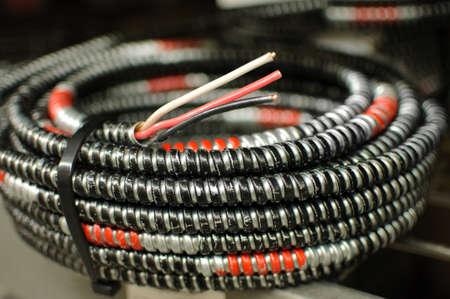 een spoel van elektrische kabel. Stockfoto