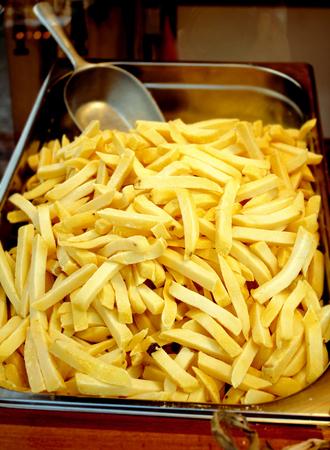 frites: pommes frites   FRENCH FRIES