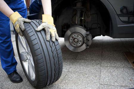 reparaturen: Reifenwechsel Lizenzfreie Bilder